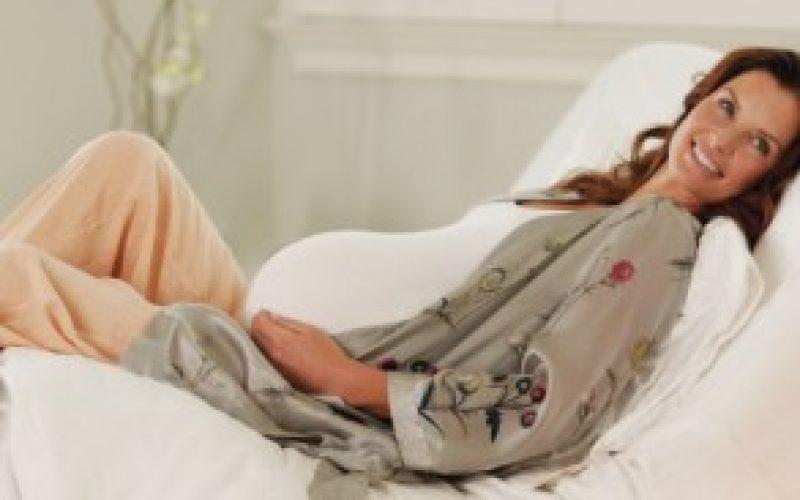 Le reflux gastrique chez la femme enceinte : 14 astuces naturelles