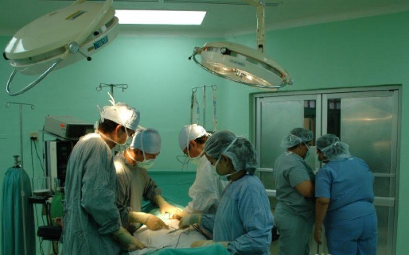 Soigner le reflux gastrique grâce à la chirurgie: les opérations courantes